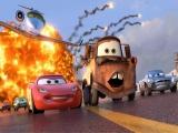 Speel als alle autos uit de film, waaronder natuurlijk Bliksem McQueen en Takel.