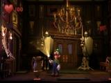 Angsthaas Luigi onderzoekt eerst alles met zijn zaklamp.