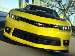 Speel met verschillende modellen Chevrolet Camaro.