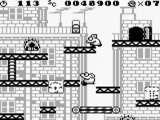 Beweeg door velen levels om je vriendin te redden van de gemene Donkey Kong.