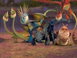 Race en vecht met en tegen je favoriete draken uit de film!