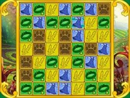 De gameplay bestaat uit, jawel hoor, blokjes laten verdwijnen door er 3 naast elkaar te krijgen...