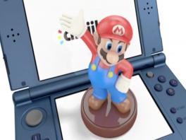 Dit nieuwe model kan ook Amiibo&apos;s lezen. Handig voor spellen als <a href = https://www.mario3ds.nl/Nintendo-3DS-spel.php?t=Super_Smash_Bros_for_Nintendo_3DS target = _blank>Super Smash Bros</a>.!
