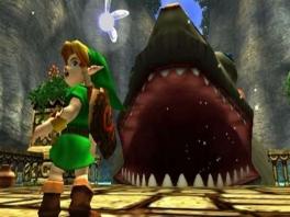 Da's een grote vis! Ik heb gehoord dat je een kijkje in de vis kan nemen. Probeer het!