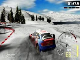 Je kunt ook door de sneeuw rijden, maar kijk uit dat je niet uit de bocht vliegt met dit gladde landschap.