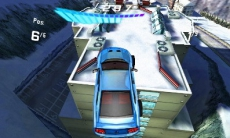 Review Asphalt 3D: Verwacht geen realistische racegame, maar eerder een mix tussen Need for Speed en Burnout.